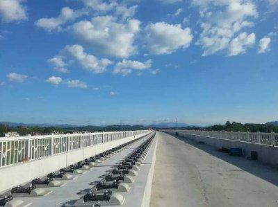 高铁桥面系工程